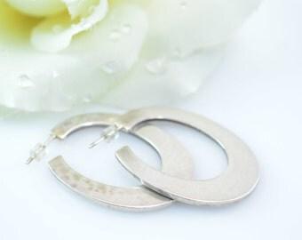 Modern Pressed Oval Hoop Post Earrings Sterling Silver 13.6g Vintage Estate