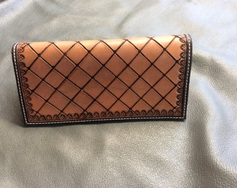 Diamond plate wallet with border stamp and border dyed