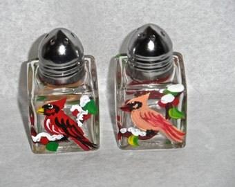 Cardinal Tiny Salt & Pepper, cardinal art, cardinals, Maine art, cardinal salt shakers, cardinal mini salt shakers