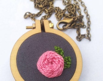 Mini Embroidery Hoop Necklace with Flower Embroidery
