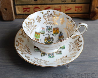 Teacup Paragon with Emblems of Canada - Teacup vintage fine bone China with Paragon provinces of Canada - Cup and saucer
