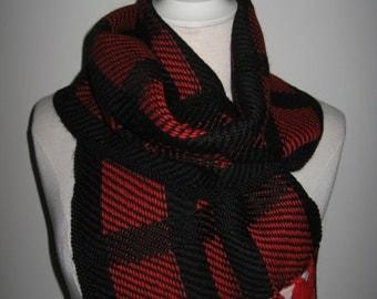 "Scarf ""Tiles"" red/black"
