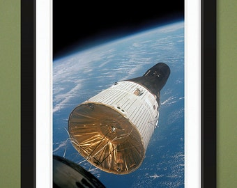NASA – Gemini Capsule Rendezvous 1965 (12x18 Heavyweight Gloss Print)