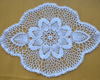 crochet thread pineapple doily, pineapple, crochet thread