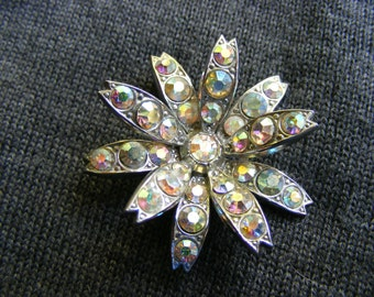 Pretty pin vintage/flower/flower/rhinestones/rhinestones