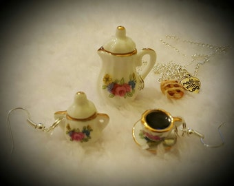 coffee and Danish earring and necklace set