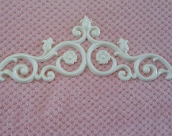 Large flourish Embellishment/resin applique