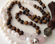 Mother of Pearl 108 Mala Necklace with Rose Quartz/Mala Bead Necklace/Meditation beads/ Bohemian Necklace/Hand-Knotted/Prayer Beads