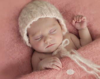 Lullaby Dream Cable Bonnet, Newborn, Soft, 3 colour options