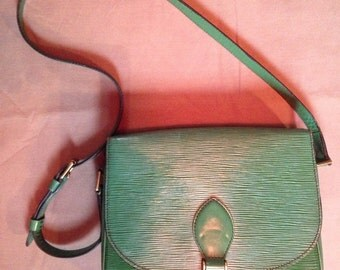 Louis Vuitton - green ear of the 80/90 Vintage leather bag