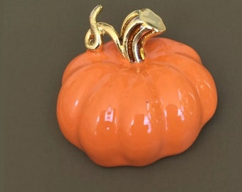Lovely Vintage Pumpkin Beooch