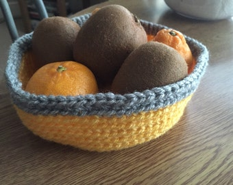 Crochet fruit bowl - perfect for the kitchen!