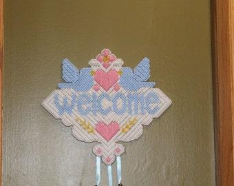 Welcome Door Hanger // Wall Hanger // Spring // Birds // Welcome // Home Decor