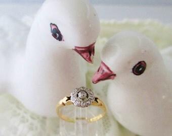 Exquisite antique Edwardian filigree diamond daisy engagement ring in platinum & 18 ct yellow gold