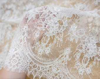 Beautiful chantilly lace fabric elegent wedding dress fabric bridal lace fabric for bridal dress guipure lace alencon lace fabric