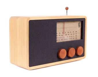 ReKTO Wooden Radio & Speaker
