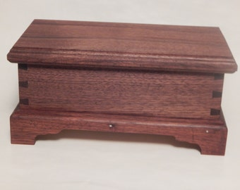 Small keeping box