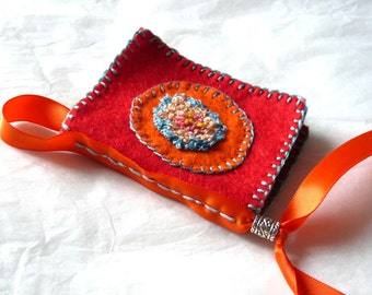 Notebook with needles, embroidered felt hand, #TEXCEorange