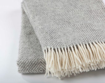 Natural not coloured England sheep wool blanket / grey wool blanket throw / throw blanket in grey colour