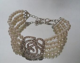 White pearl crystal flower Bracelet