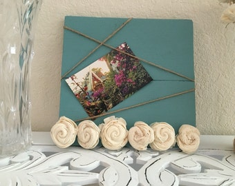 Handmade Pallet Wood Picture Display in Provence with White Wood Flowers