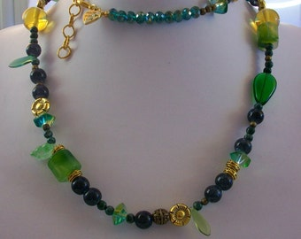 Necklace with natural stones, crystals and brass, 78 cm