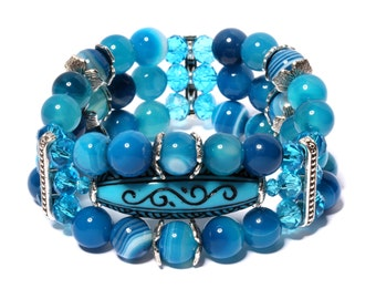 Bracelet made of blue agate «Amplifier creative abilities». Bracelet made of natural agate stones.