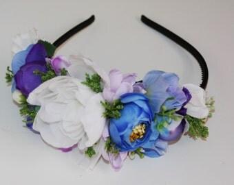 Brides flower hair accessories