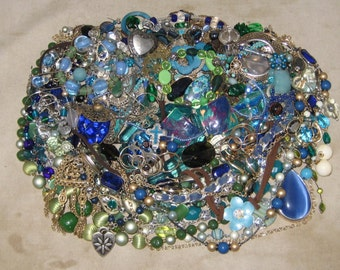 1 1/2 Lbs Mixed Vintage To Now Junk Jewelry Lot Craft Repair Repurpose Lot 20