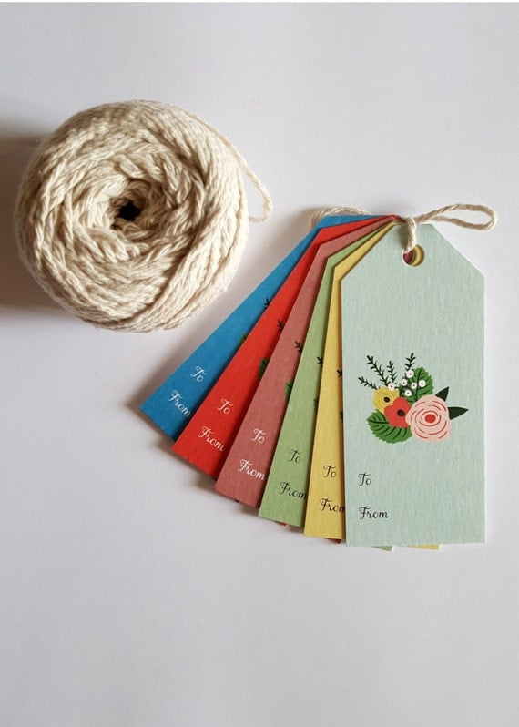 6 x Sweet gift tags. Floral design in six vintage colours - di cut swing tags