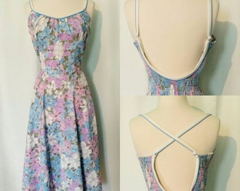 70s Floral Sundress with Convertible Straps and Pockets!