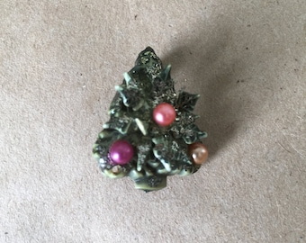 1970s Vintage Christmas Tree Pin. Christmas Tree Brooch