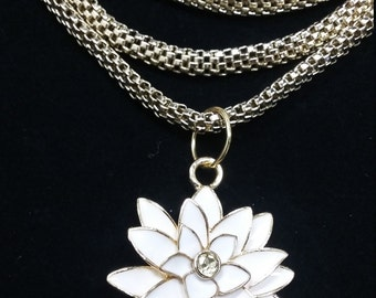 Triple chain gold flower necklace
