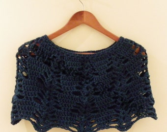 Hand-crafted Winter Warming Woollen Ladies Capelet with Leaf Pattern Crochet Shawl Poncho