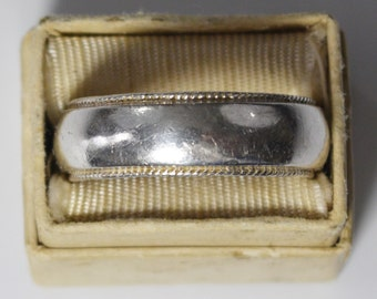 Vintage, Sterling Silver (Wedding) Band - size 12