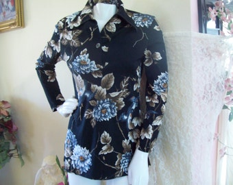 "Black Floral Tunic, 1970's ""Mardi Modes"" of New York  Ladies Small to Medium"