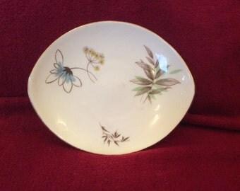 Adderley Florial Oval dish 10.5cm x 12.5cm