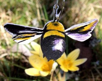Bumblebee pendant, Gift-wrapped