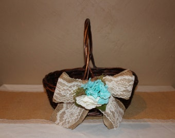 Rustic Wedding Basket / Rustic Wedding Favor Basket / Rustic Wedding Decor