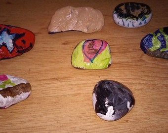 7 handpainted decorative rocks