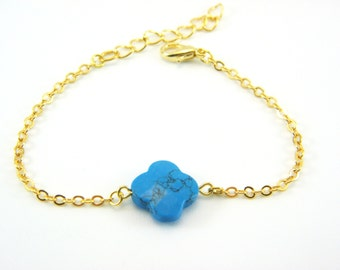 Bracelet with Turquoise clover bead and gold plated brass
