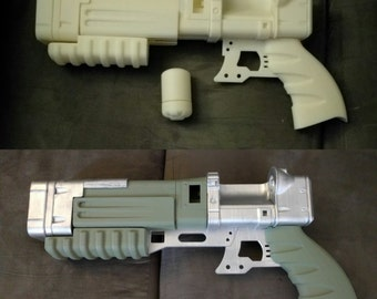 Fallout style laser pistol prop