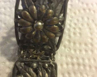Vintage silver flower bracelet