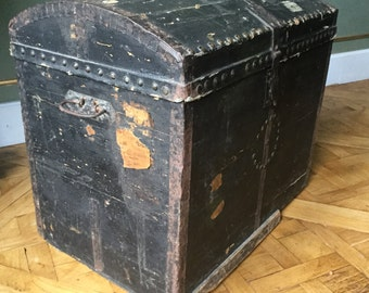 Antique chest/ancien malle de voyage/antique Trunk