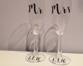 Mr and Mrs Champagne Glasses with Wedding Date