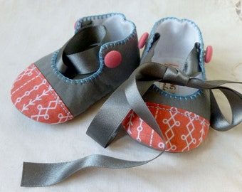 Girls' baby shoes in grey and coral. Unique gift, christening present or crib shoes.
