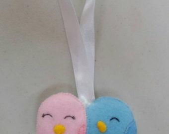 Handmade felt male and female birds horseshoe alternative