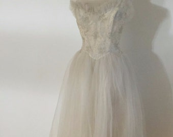 Vintage 1950's Strapless Tulle Wedding Dress Gown Lace Size Small Bridal