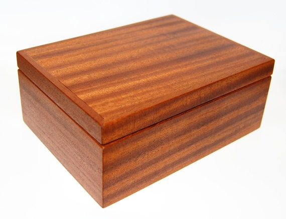 Jewelry box gift box solid wood mahogany for Solid wood jewelry chest