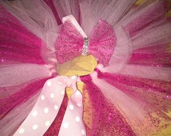 Pink Girlie tutu set, it comes with headband